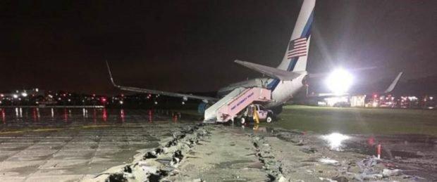 pence-plane-skid-off-runway
