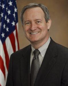 Senator Mike Crapo (R-ID)