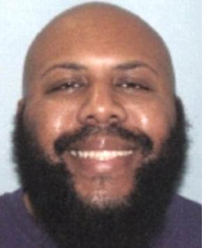 Photo of Massive manhunt for serial killer who killed live on Facebook