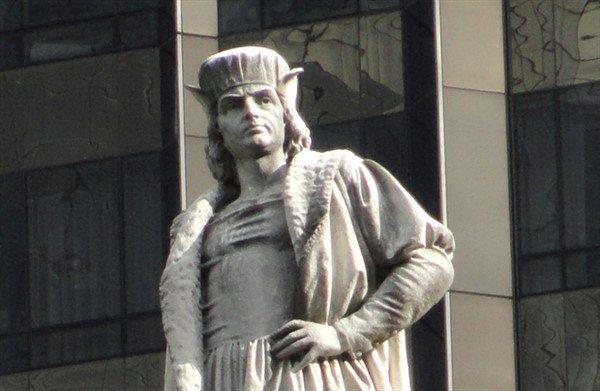 Photo of New York Mayor Bill de Blasio Mulls Removal of Christopher Columbus Statue