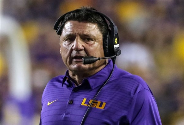 Photo of LSU Tigers Shocking Homecoming Gag Job Against Troy Shows Team in Freefall