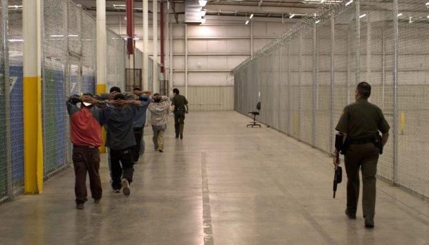 Photo of Judge Orders Release Of New Jersey ICE Detainees Amid Coronavirus Outbreak